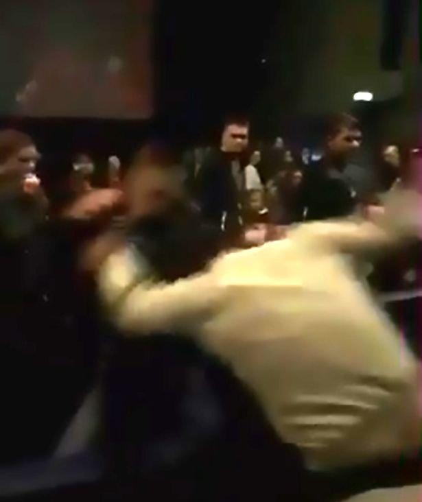 pelea cine video gemidos
