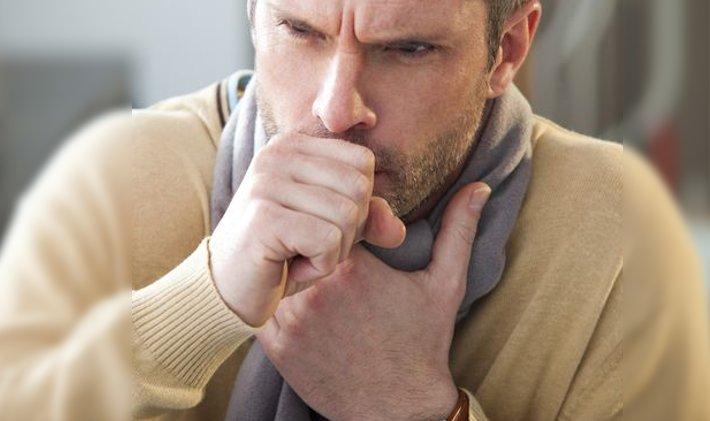 tos hombre tosiendo remedios naturales caseros