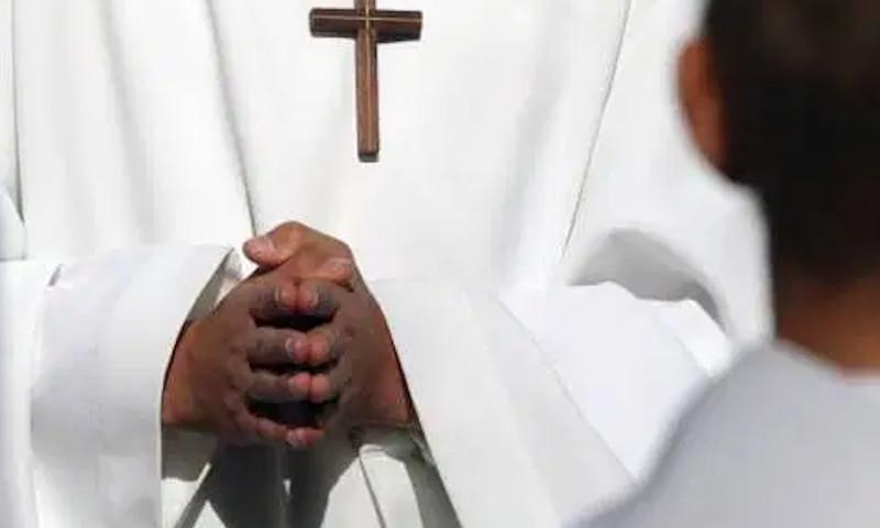 abuso sexual menores edad sacerdotes clerigos religiosos